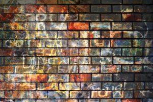 jak očistit pokreslené stěny Brno