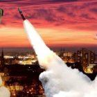 Sašovy jaderné touhy: Budou u Ostravy zbraně hromadného ničení? Havlismus je nevyléčitelný. Co na to hejtman? Láska k pracujícímu lidu a libido ostravských žen. Humanitární rakety? Za socialismus a mír!