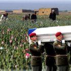 """Druhý Vietnam, aneb ostudná porážka v Afghánistánu: Vývoz demokracie – dovoz opia. Na straně okupantů i české oběti. Přivezeme s kolaboranty – """"tlumočníky"""" i vycvičené zabijáky Talibánu? Jak k nám dostat muslimské imigranty oknem"""